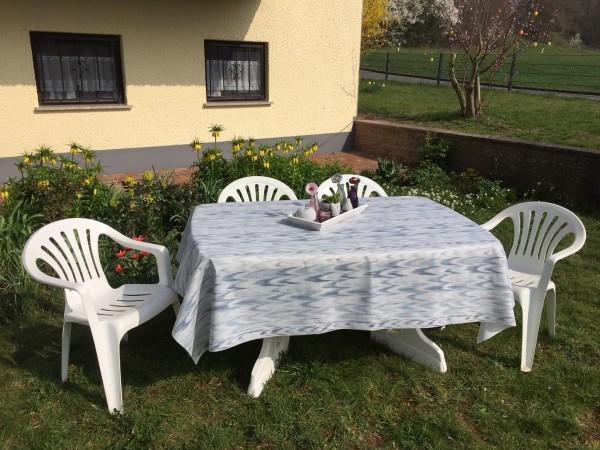 Friedola Gartentischdecke Classic Ikat Blue Oval 160/220 cm